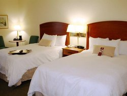 Stevensville hotels with restaurants