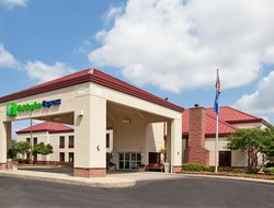 Cranberry Township hotels with restaurants
