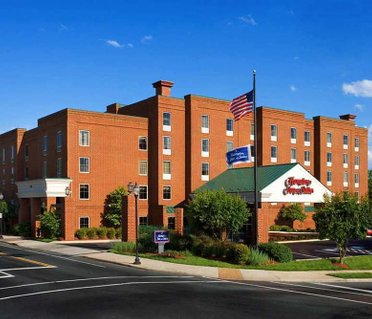 Hampton Inn & Suites Charlottesville at the University