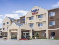 Topeka hotels for families with children