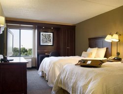 West Des Moines hotels for families with children