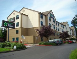 Pets-friendly hotels in Everett