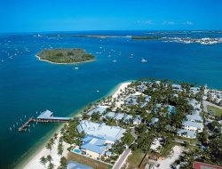 Key West Island hotels with restaurants