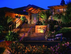 Carmel hotels with restaurants