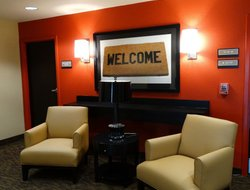 Pets-friendly hotels in Benbrook