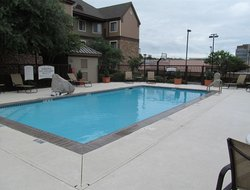 Helotes hotels with swimming pool