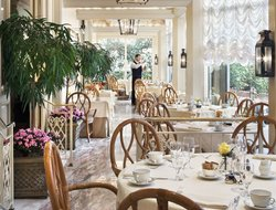 New Orleans hotels with restaurants