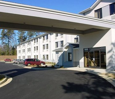 Red Roof Inn & Suites California, MD - NAVAIR