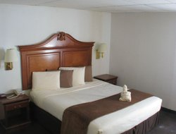 Dodge City hotels with restaurants