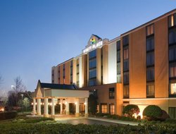 Business hotels in Utica