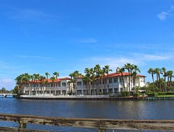 Ponte Vedra Beach hotels with restaurants