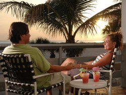 Treasure Island hotels with restaurants