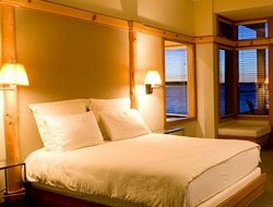Whidbey Island hotels with restaurants