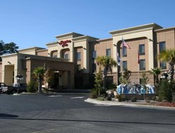Hinesville hotels with restaurants