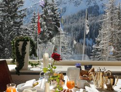 Top-10 hotels in the center of Arosa