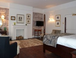 Top-4 hotels in the center of Cirencester