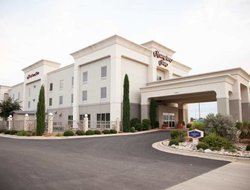 Brownwood hotels with swimming pool