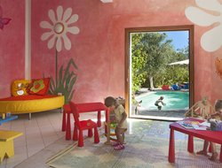 Cannigione hotels for families with children