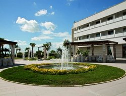 Manfredonia hotels with swimming pool