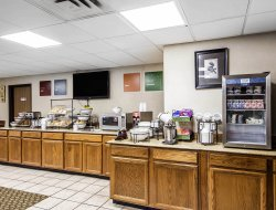 Ponca City hotels with restaurants