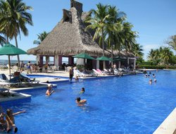 El Salvador hotels for families with children