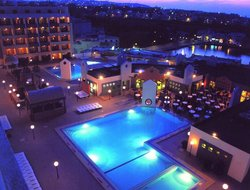 Paceville hotels with swimming pool