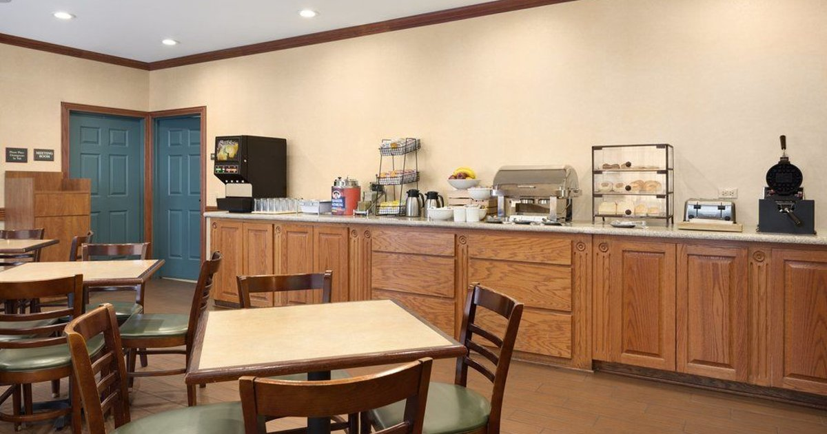 Country Inn & Suites by Radisson, Michigan City, IN