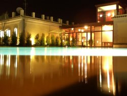 Acireale hotels with swimming pool