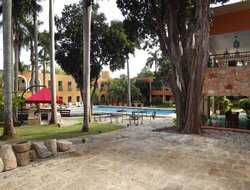 Uxmal hotels with swimming pool