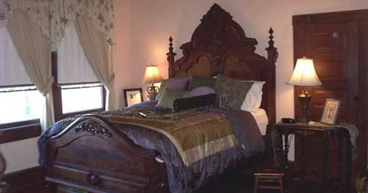 The Holekamp House Bed & Breakfast