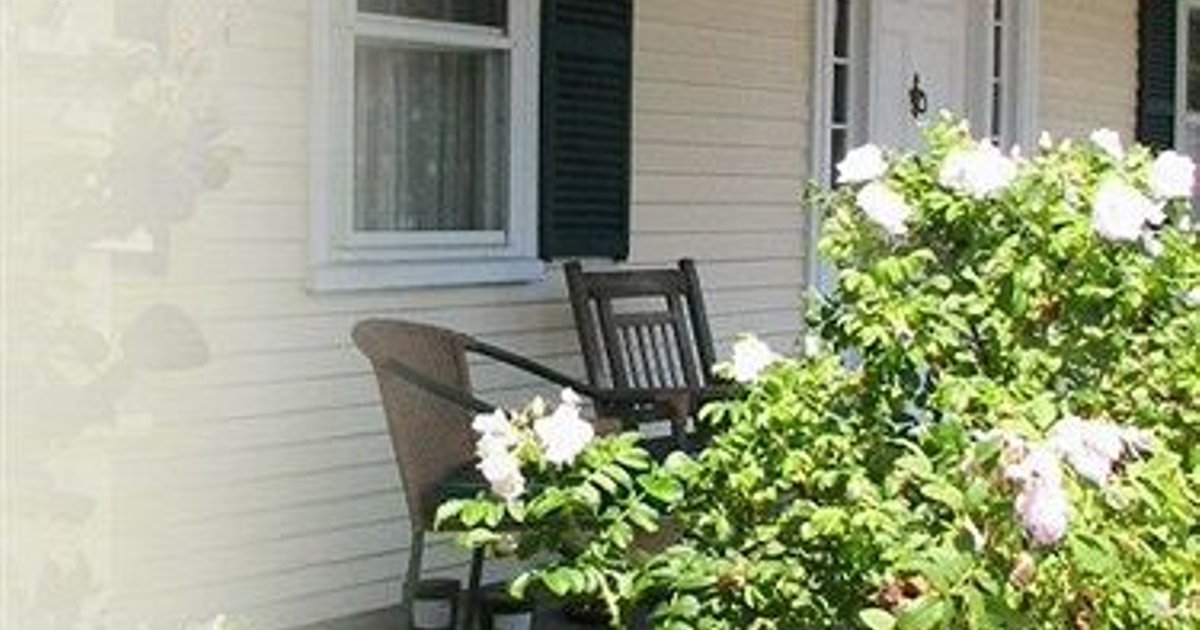 OLD ORCHARD BEACH INN - BED AND BREAKFAST