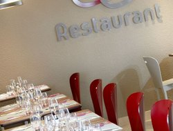 Aurillac hotels with restaurants