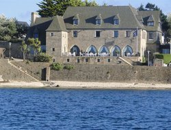 Roscoff hotels with restaurants