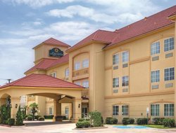 Top-7 hotels in the center of Cleburne
