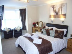Weymouth hotels with restaurants