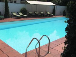 Dusseldorf hotels with swimming pool