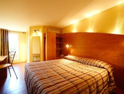 Pets-friendly hotels in Montfavet