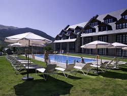 Cerler hotels with swimming pool