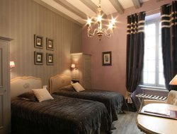 Saumur hotels for families with children