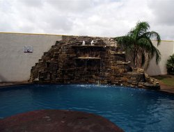 Nuevo Laredo hotels with restaurants