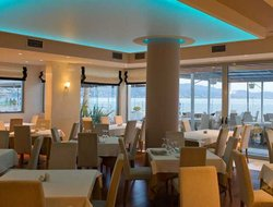 Kalamata hotels with sea view