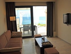 Moraitika hotels with sea view