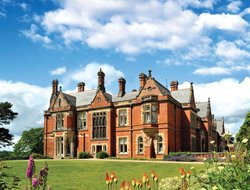 Top-5 romantic Darlington hotels
