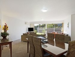 Merimbula hotels with swimming pool