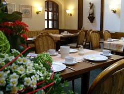 Ostfildern hotels with restaurants