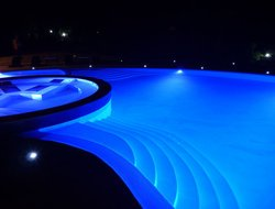 Vulcano Porto hotels with swimming pool