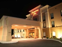 Meadville hotels with restaurants