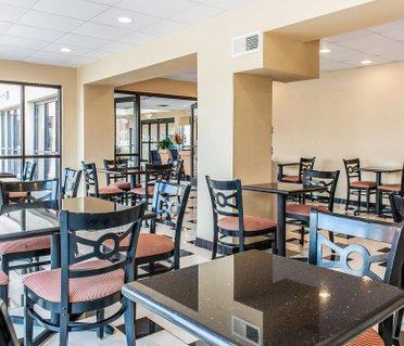 Quality Inn & Suites - Mattoon
