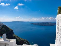 Top-10 hotels in the center of Fira