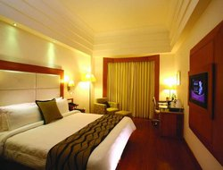 Navi Mumbai hotels with restaurants